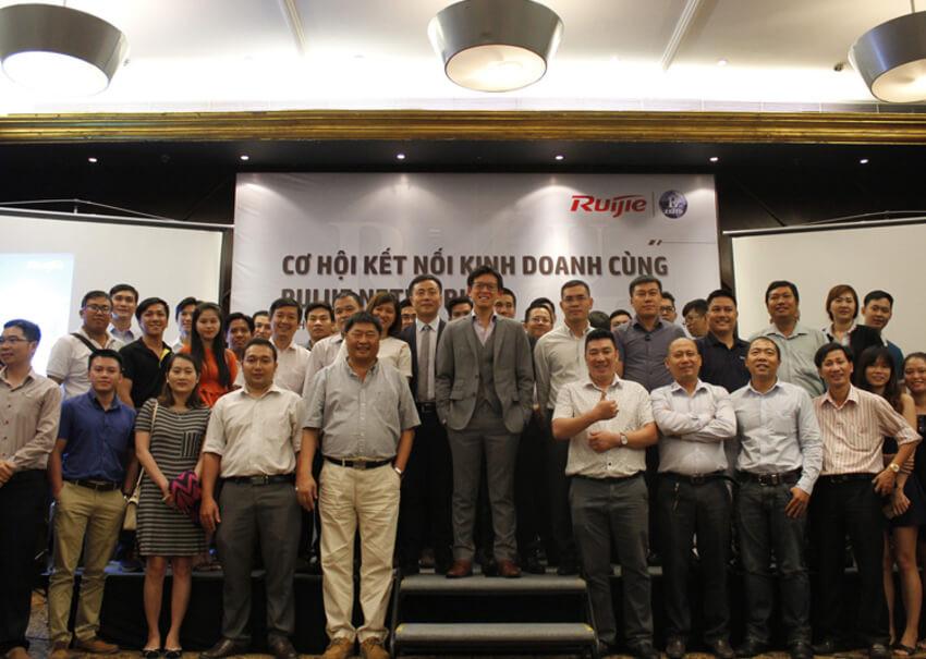 Co Hoi Ket Noi Kinh Doanh Cung Ruijie Networks 2